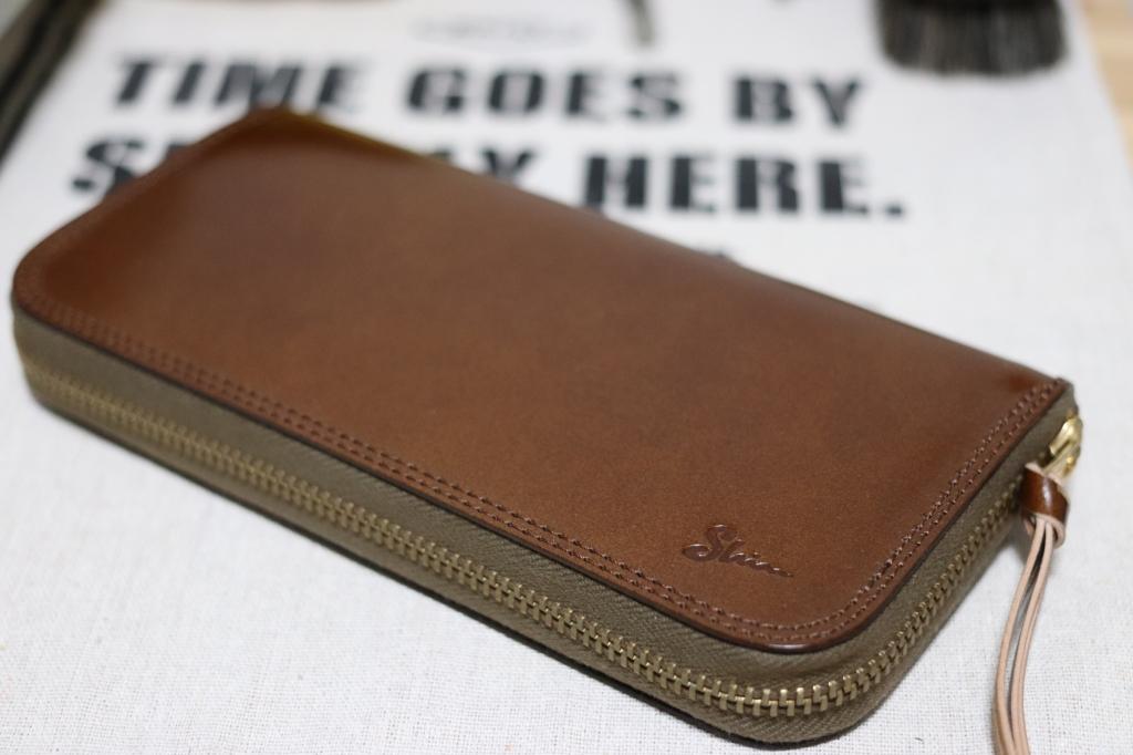 コードバンの財布(ラウンドファスナーウォレット)