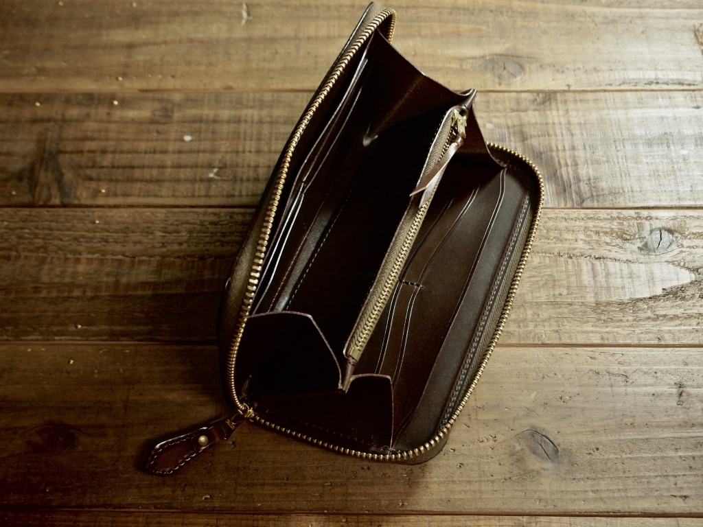 コードバンの長財布