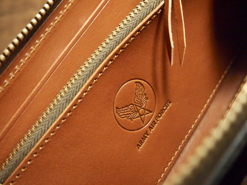 クロムエクセルの財布(フライトウォレット )