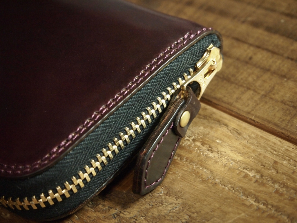 ホーウィンシェルコードバンの長財布
