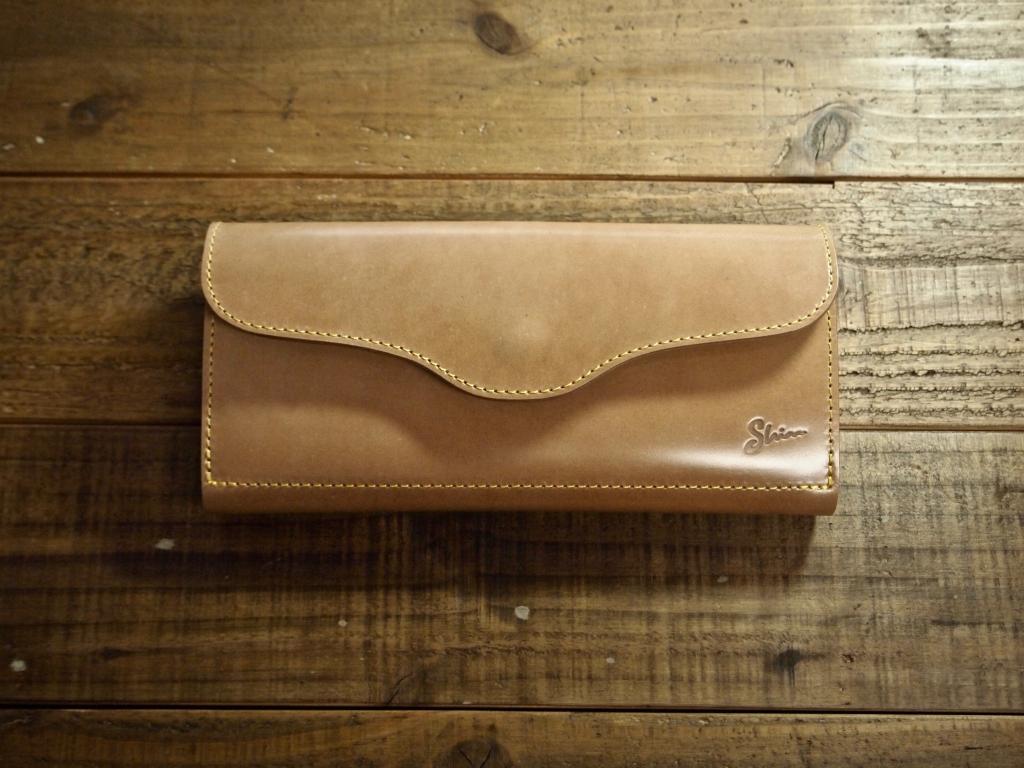 コードバン(ナチュラル)の財布(フラップウォレット)
