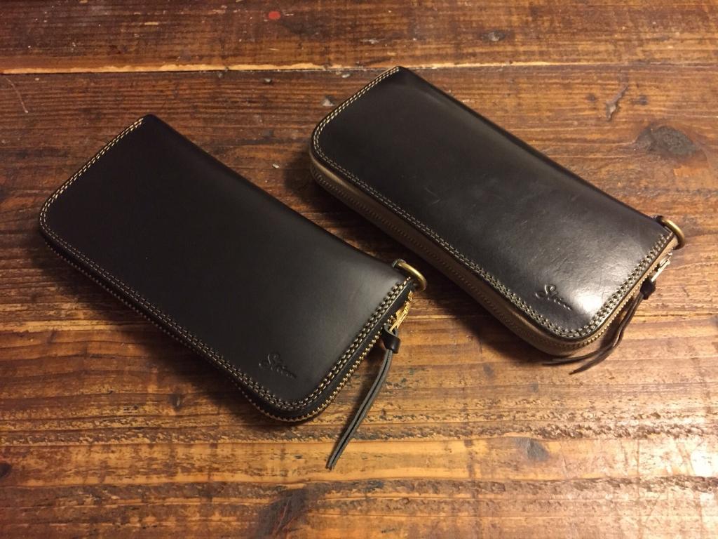 黒いブッテーロのラウンドファスナー財布の経年変化