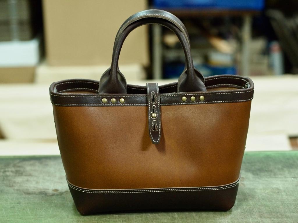 丈夫な革のトートバッグ(ミニトートート)