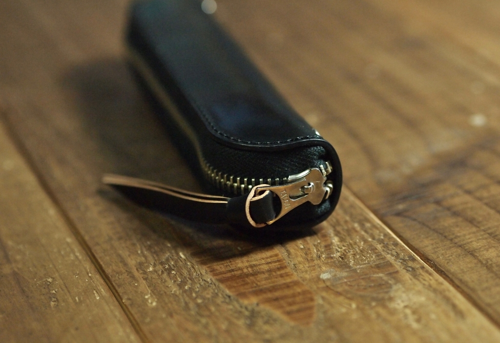 シェルコードバン(黒)のペンケース