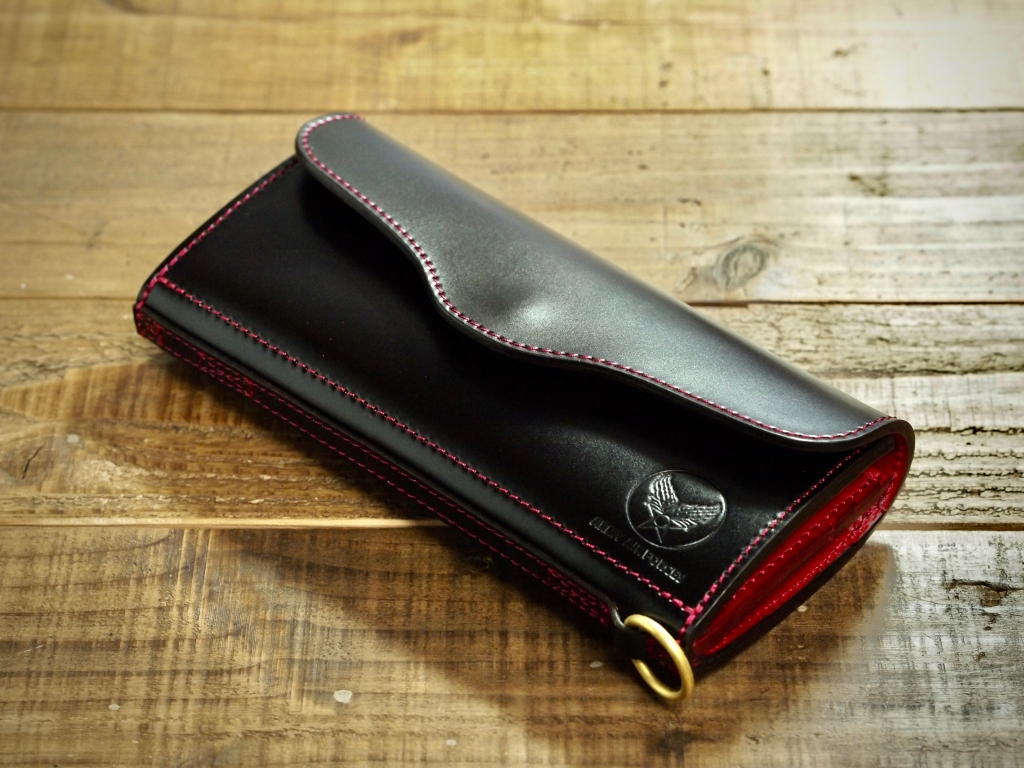 コードバンの長財布(フラップウォレット)