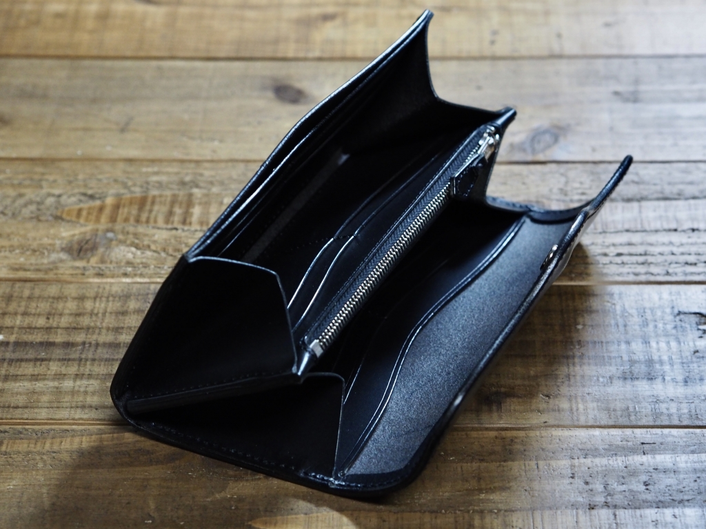 黒いブッテーロの革財布