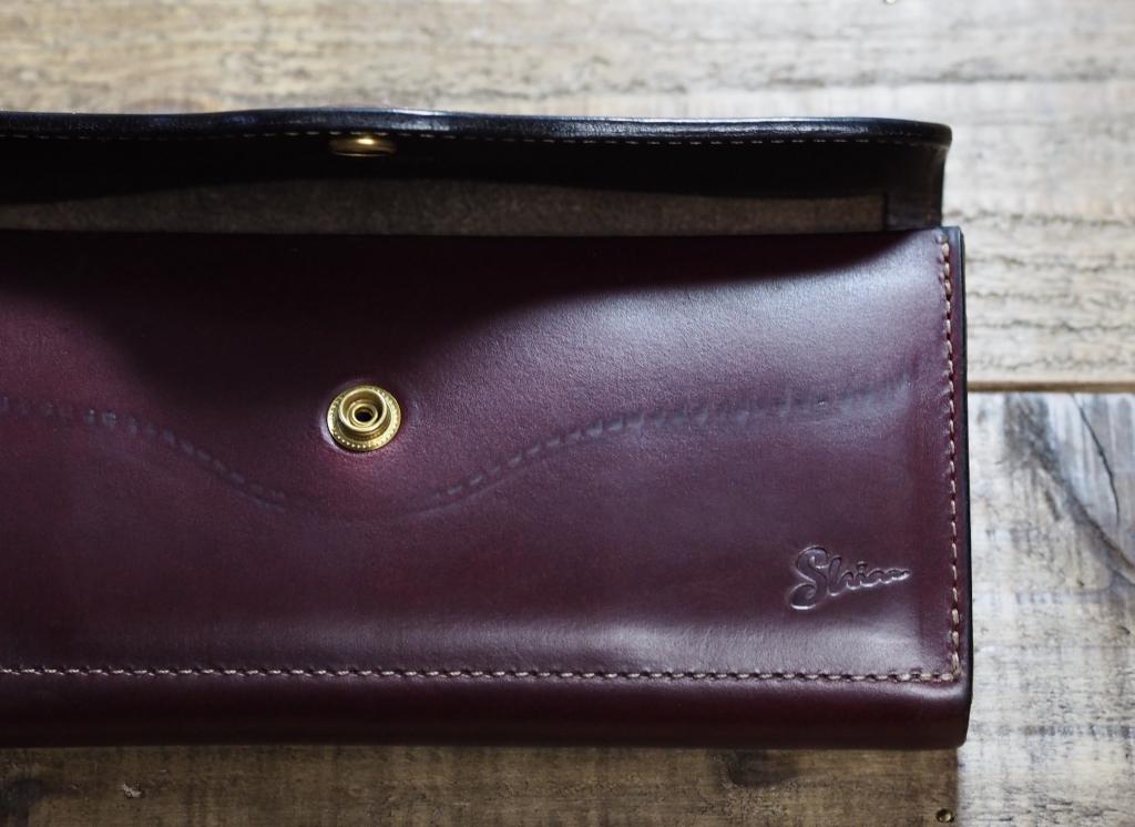 クロムエクセルの長財布「フラップウォレット(エイジング)」
