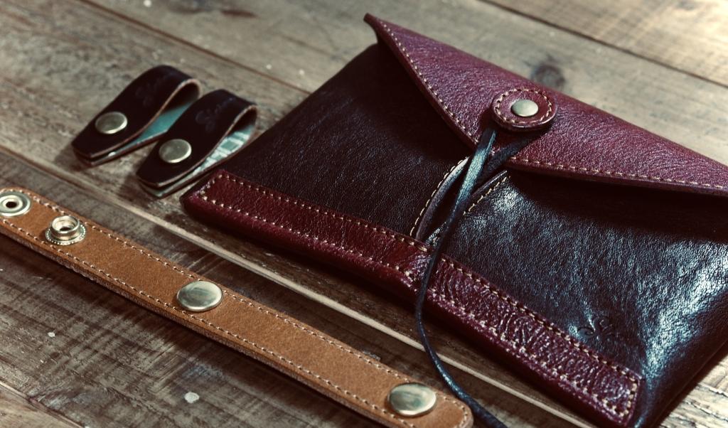コンパクトで大容量の革財布ジェネラルウォレット