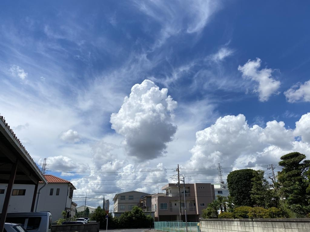 夏の終わりの積乱雲