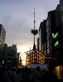 080727_函谷鉾と夕焼け