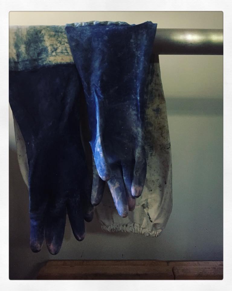 藍染の手袋