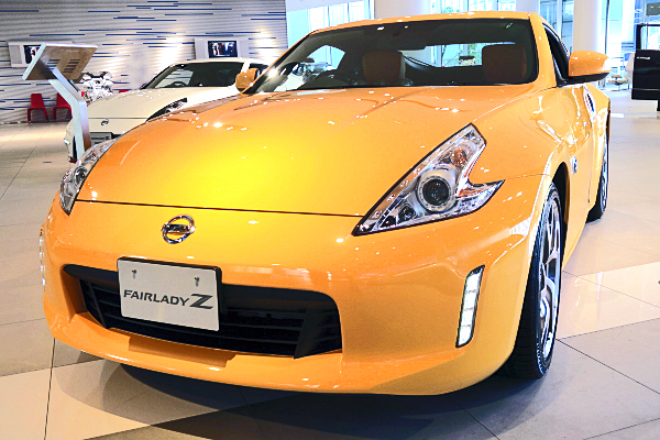 日産 フェアレディZ バージョン ST : イエロー Nissan Fairlady Z Version ST ...