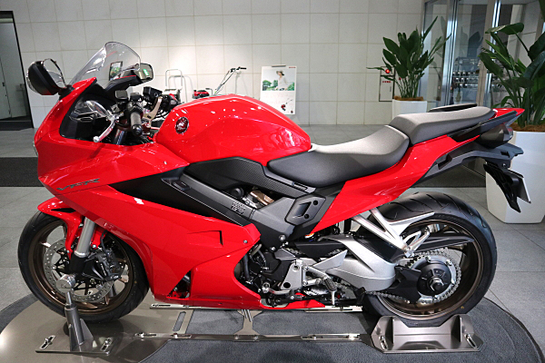 ホンダ Vfr800f レッド Honda Vfr800f Red Car And Moto In Japan
