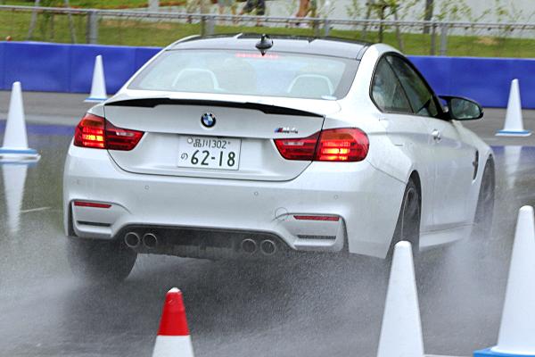 BMW-M4-2.jpg