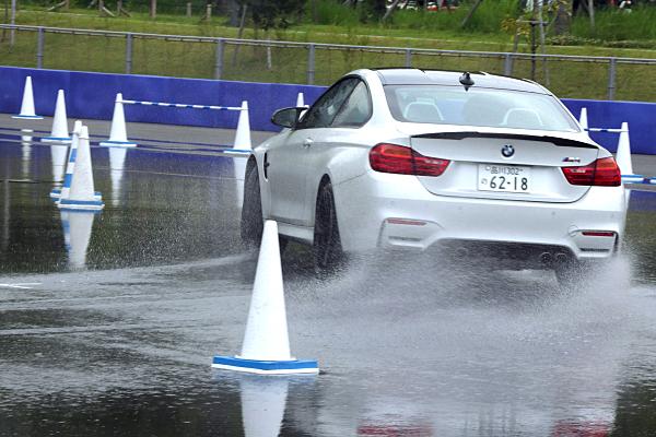 BMW-M4-6.jpg