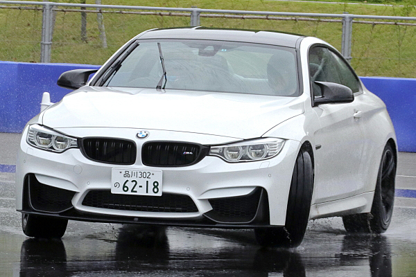 BMW-M4-11.jpg