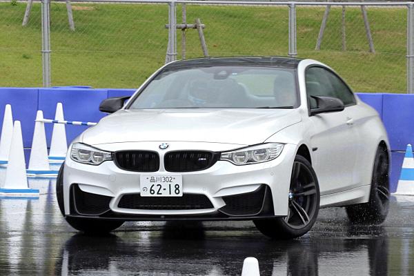 BMW-M4-12.jpg