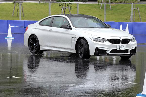 BMW-M4-13.jpg