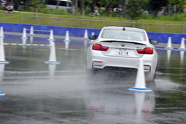 BMW-M4-14.jpg