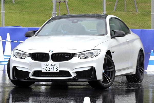 BMW-M4-15.jpg