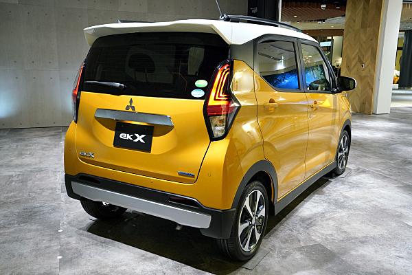 三菱 eKクロス G イエロー / ホワイト Mitsubishi eK X G : Yellow / White ...