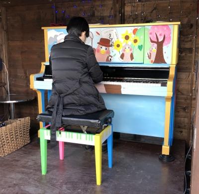 カムロストリートピアノ3