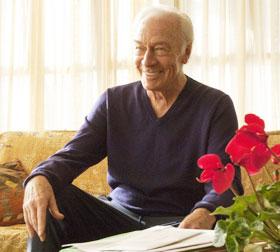 ゲイのおじいちゃんが彼氏とちゅっちゅしまくり「人生はビギナーズ」/クリストファー・プラマー