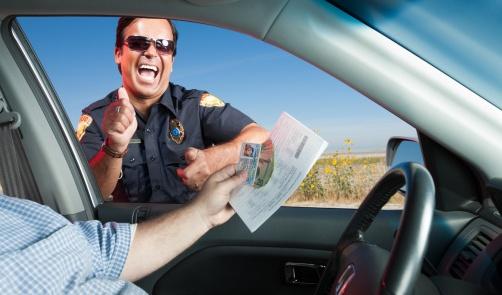 スピード違反と警官|警察ジョーク