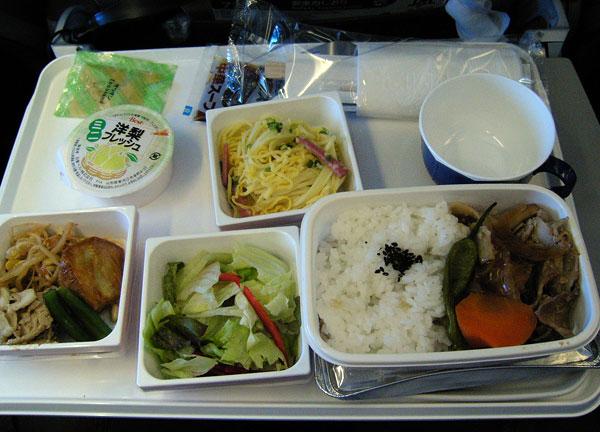 JAL805便、成田ー台北の機内食