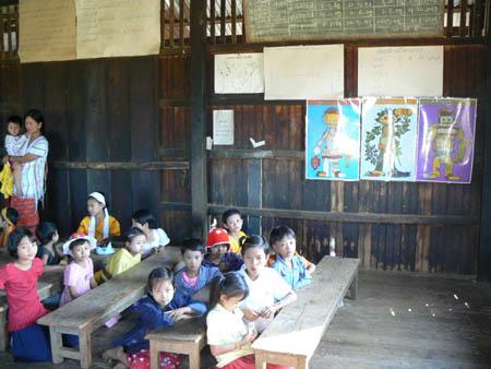 現在の校舎の2階教室