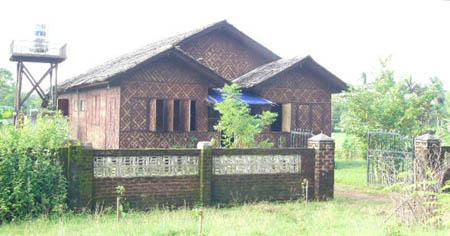 Myaungmya Guesthouse (通称Sheins Guesthouse)