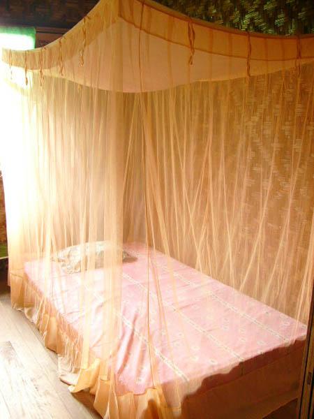 ベッドに蚊帳