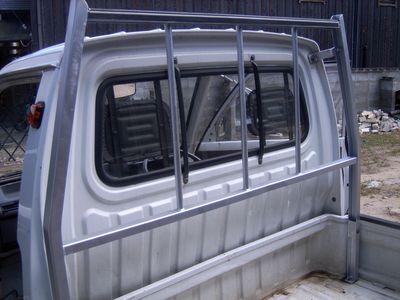 錆取り後塗装した軽トラ