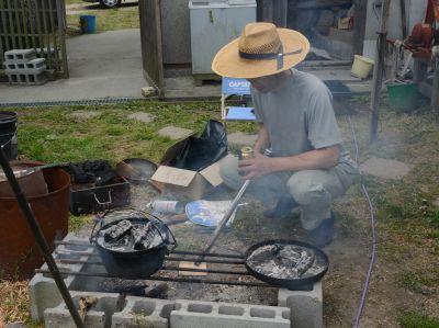 ダッチオーブンで燻製作り♪