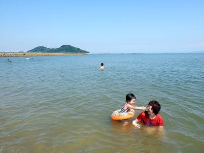 初めての海水浴