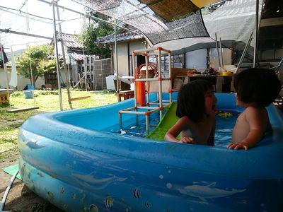 裸族★お庭プールの休日