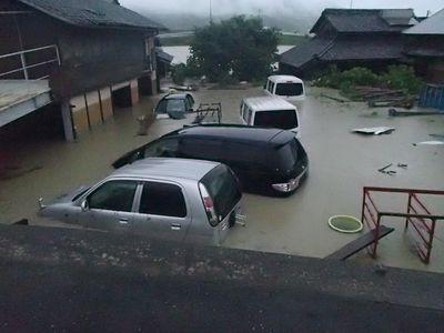 車両水没多数
