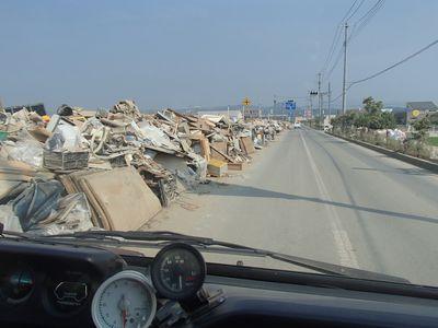 真備中心街ゴミの山