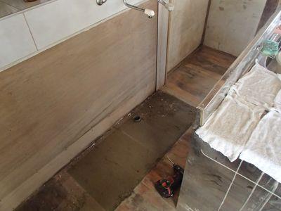 流し台部床板も堆積