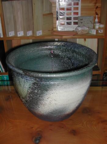 信楽焼の手水鉢