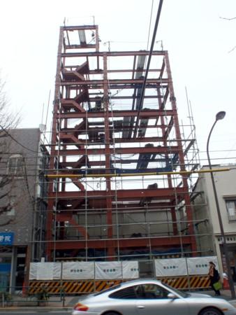 鉄骨の建て方工事完了