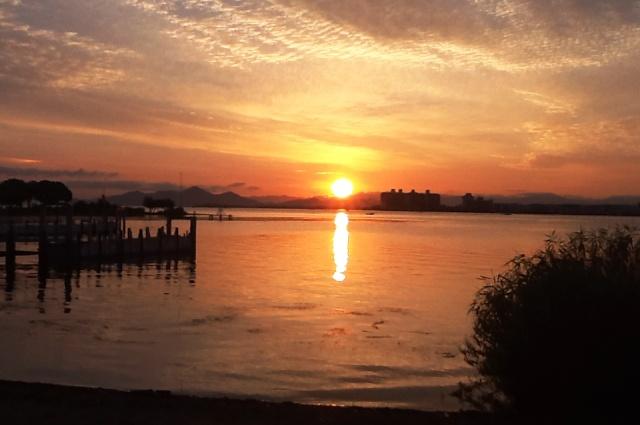 琵琶湖日の出