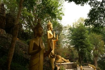 プーシー、釈迦立像