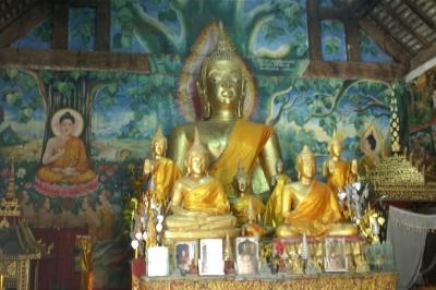 ワット・アハムの釈迦像