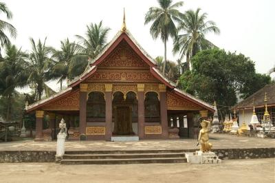 ルアンパバーン中心地から少し外れた地図に載っていない寺院