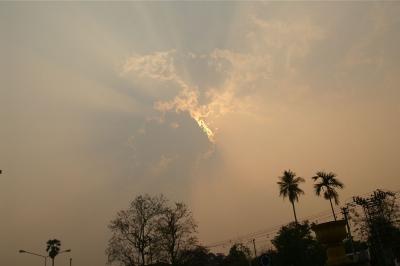 ハートの形に変化していく雲