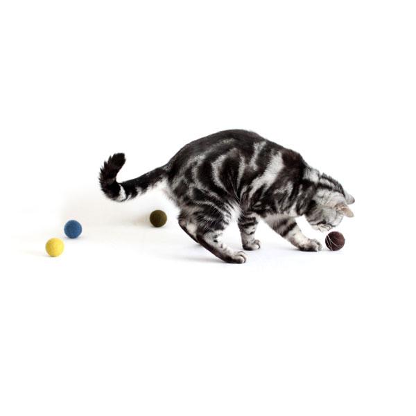 猫おもちゃ[ころころフェルトボール]むさし