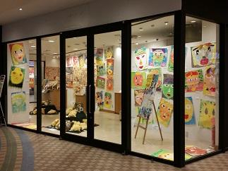 都筑区センター南の港北東急SCで「第2回 つづきっ子 子どものアート作品展」開催中!