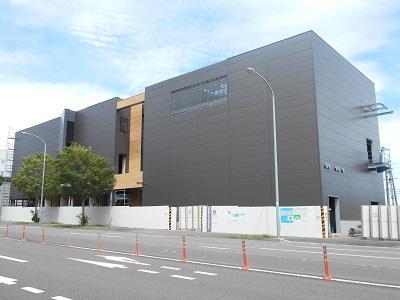 都筑区センター北に建設中の「テクノ菱化R&Dセンター」が姿を現しました!
