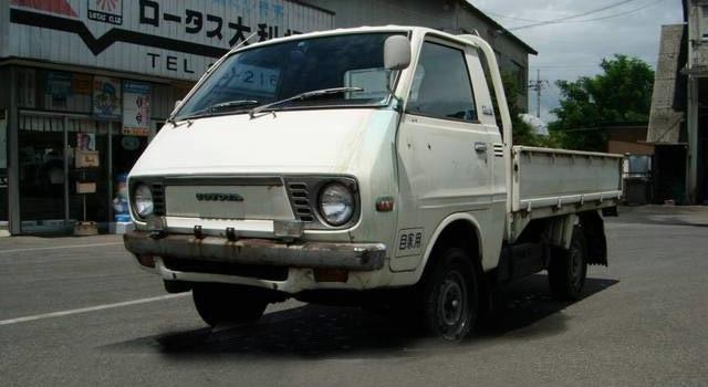 タウンエース 【トヨタ・タウンエーストラックの新車価格】   トラック・バスの歴史 -リヤカーか